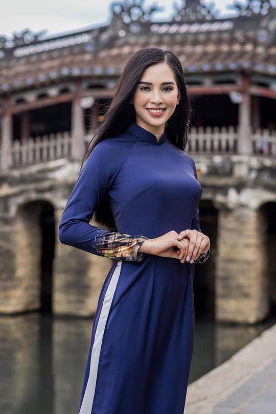 Tân Hoa hậu Việt Nam được báo chí nước ngoài khen ngợi - Ảnh 7.