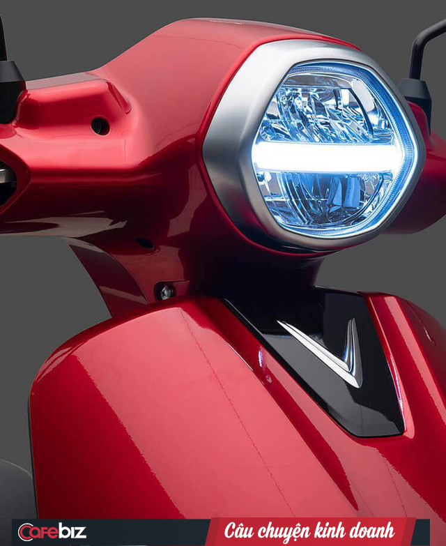 VinFast chính thức ra mắt xe máy điện thông minh: Kết nối Internet 3G, định vị GPS, khóa và mở khóa xe từ xa, thân thiện với môi trường - Ảnh 3.