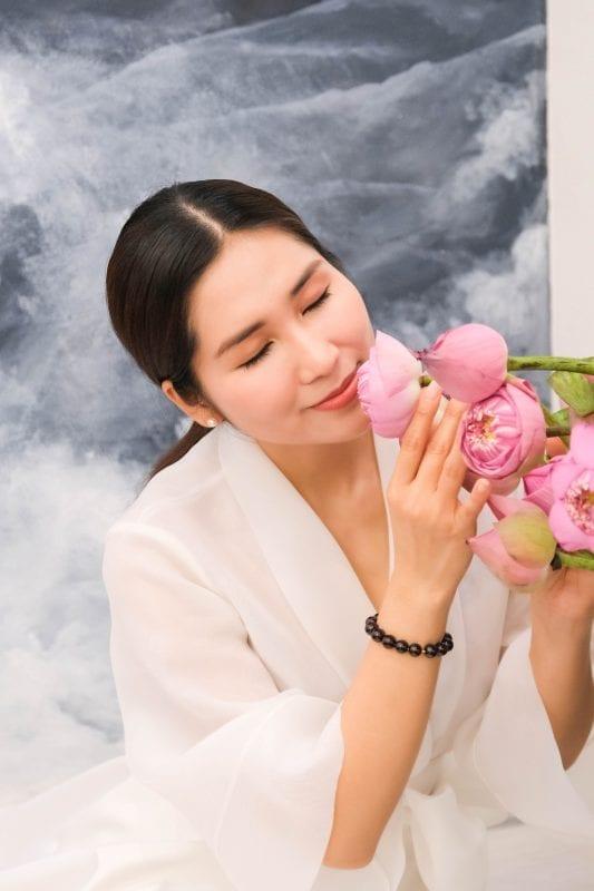 Nghệ sĩ Như Huỳnh tại Tian Tea